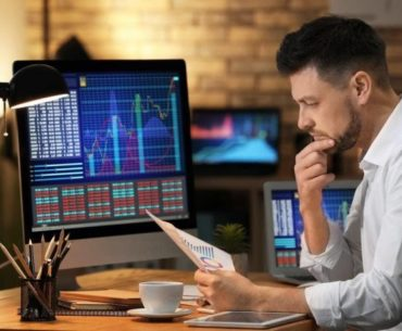 Exploiting the mistakes of the novice traders