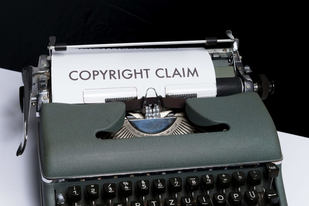 Accompany Your Images with a Copyright Notice