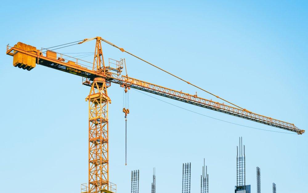 How do engine cranes work